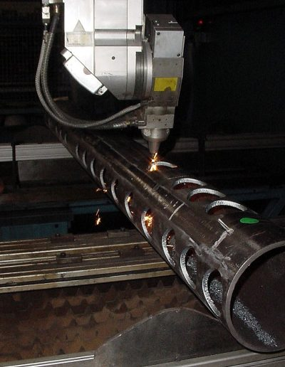 Maquinaria en empresa embutición Matricats